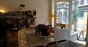 Fond de commerce à remettre. Epicerie/bar/brasserie plein centre de Liège. De 25 à 40 places assises, bar/comptoir, cuisine équipée.