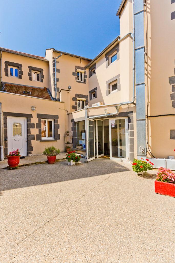 Hôtel restaurant à vendre au coeur des volcans d'Auvergne