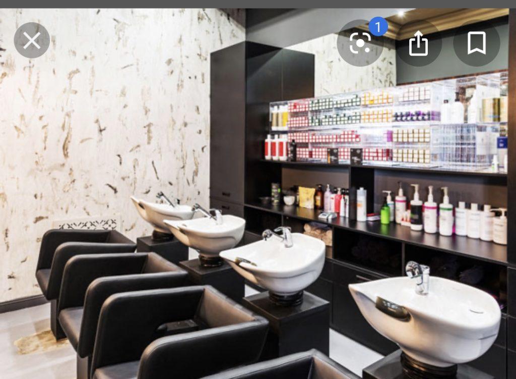 Très beau salon de coiffure à remettre près de la place miroir à jette