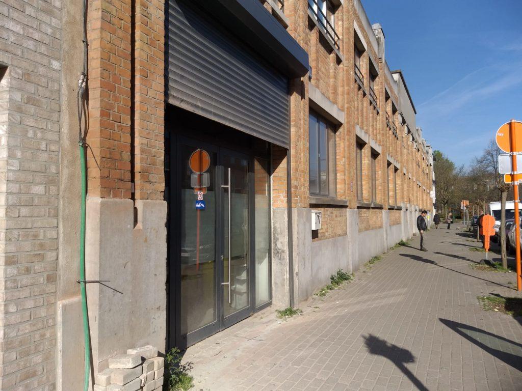 Dépôt à vendre à Anderlecht - Immeuble de commerce mixte