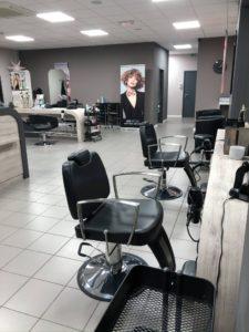 A Neufchateau très beau salon de coiffure à remettre