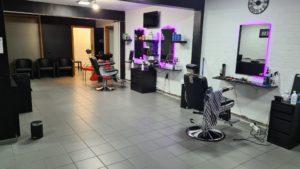 Magnifique salon de coiffure pour hommes